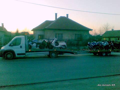 Motorok szállítása